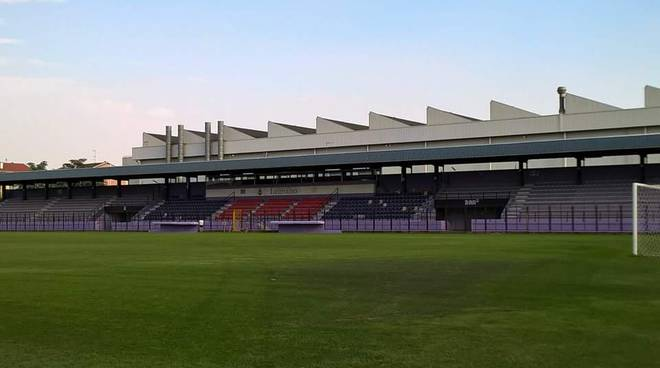"Stadio ""Giovanni Mari"""