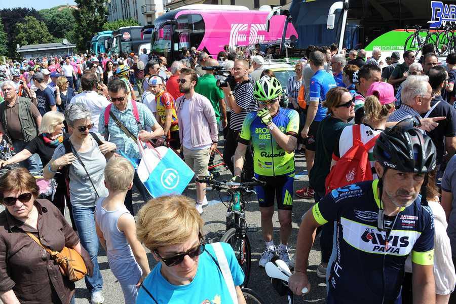 Giro d'Italia 2018 - La partenza della tappa da Abbiategrasso