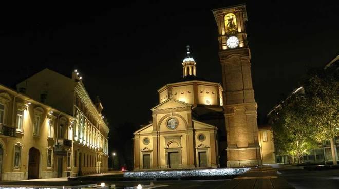 Legnano Piazza San Magno di sera