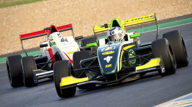 Pietro Peccenini ha vinto all'Estoril il Trofeo Gentleman Driver del Challenge Monoplace