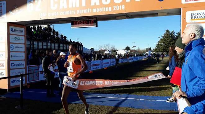 Hagos Gebrhiwet vince la gara maschile del Campaccio 2019