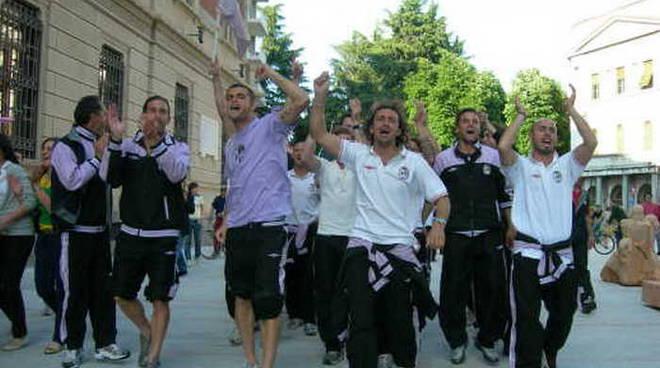 I festeggiamenti in Piazza san Magno per la promozione in Serie C1 nel 2006/07