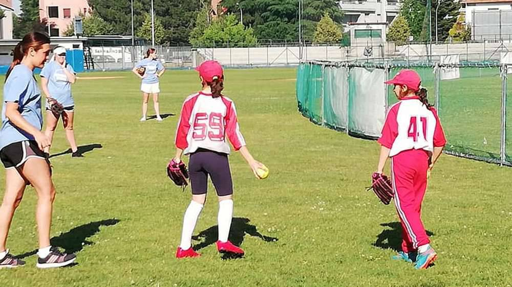Atlete softball collega USA a Legnano