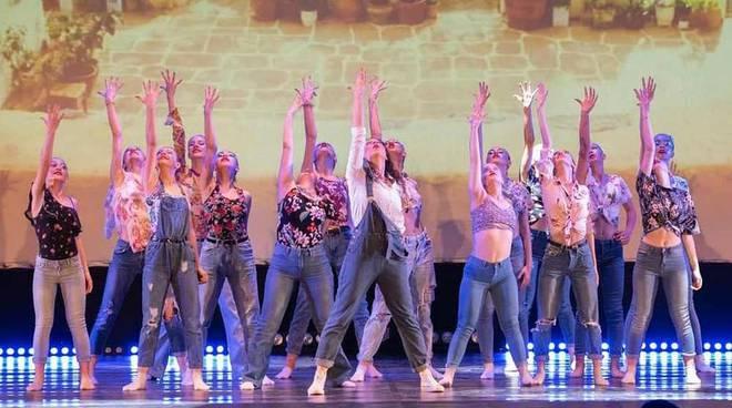 Il saggio della scuola Art'è Ballet di San Giorgio su Legnano