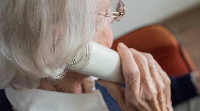 Anziani telefono