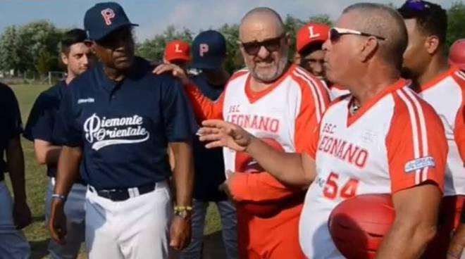 Omaggio Coach Porta Mortara Richard Macias a tecnici cubani Javier Mendez e Roberto Medina