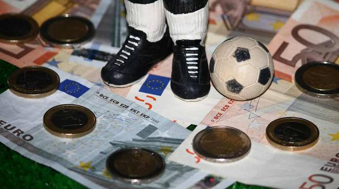 Calcio e denaro