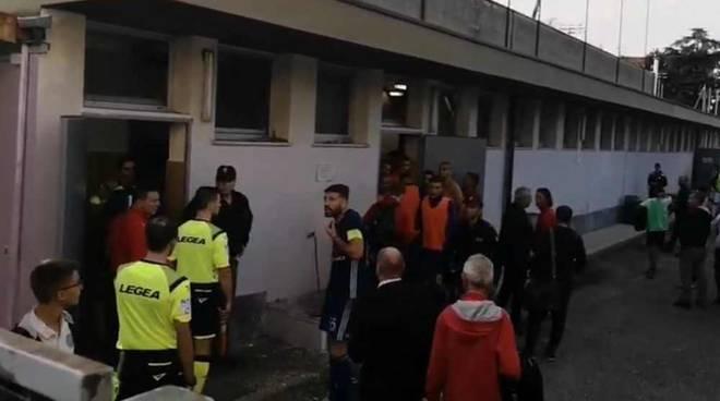 Tensione nel dopo-partita di Legnano-Seregno