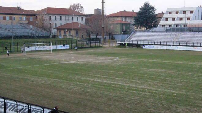 """Le cattive condizioni del campo del """"Giovanni Mari"""" di Legnano"""