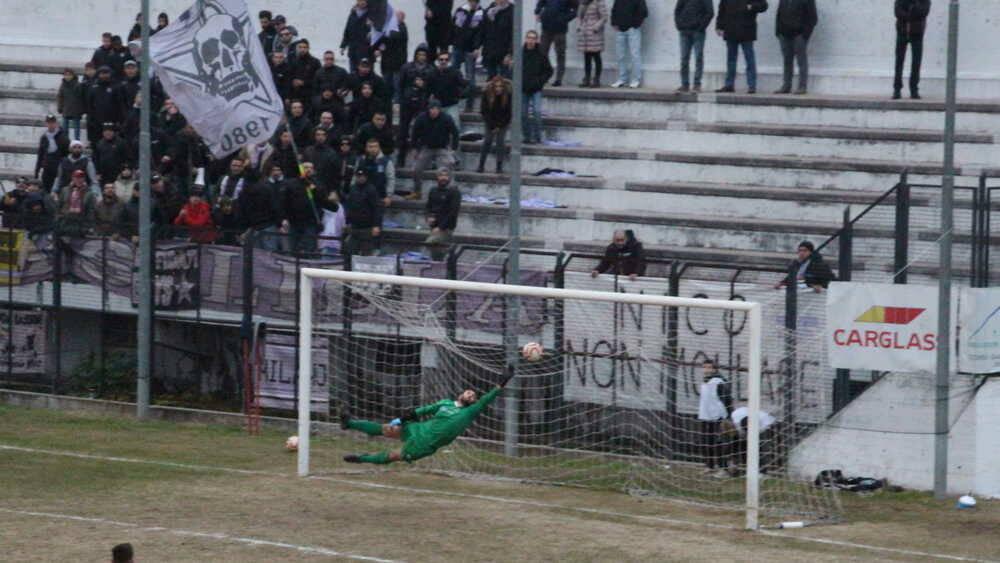 Il gol decisivo di Simone Ricozzi in Legnano-NibbionnOggiono 2-1
