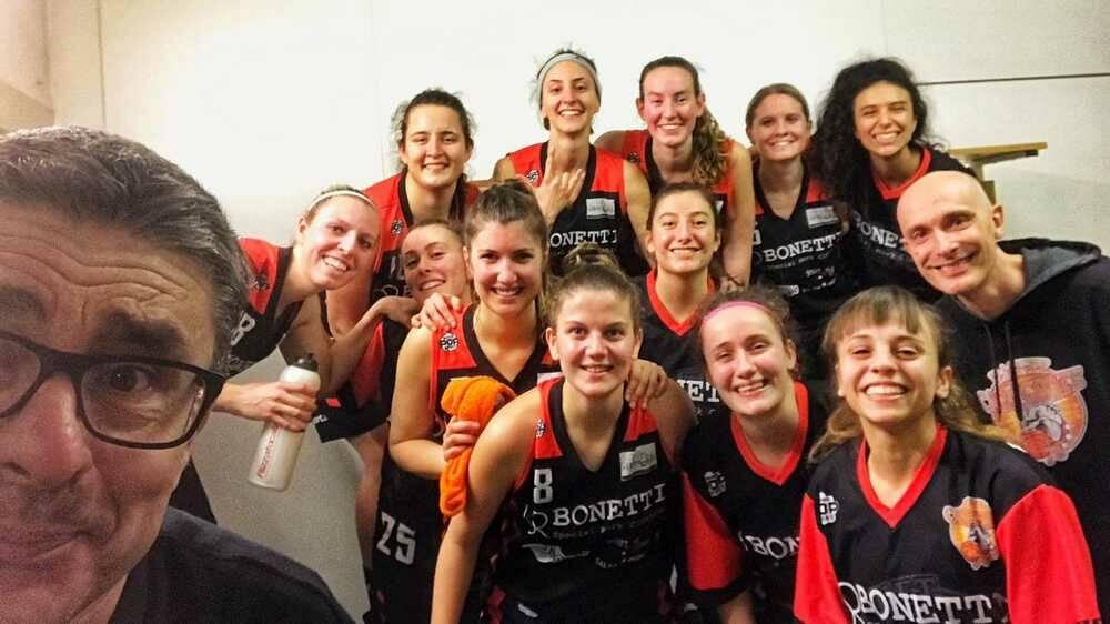 Bulldog Basket Canegrate-QSA Milano 61-45