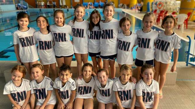 Rari Nantes Legnano Nuoto Sincronizzato Esordienti in gara a Parabiago
