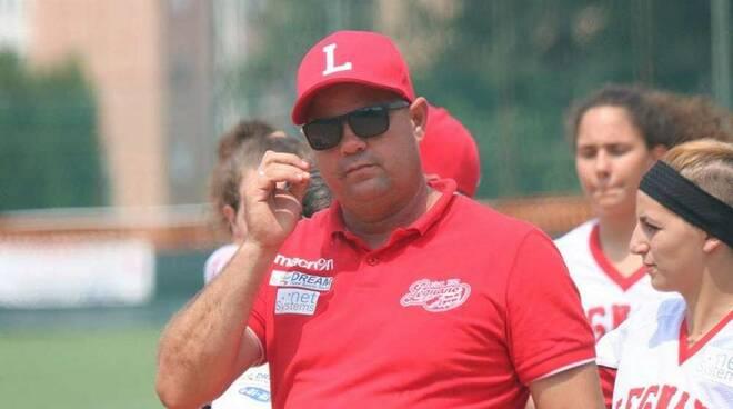 Hector Fernandez coach Legnano Softball