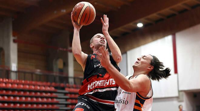 Knights Legnano-Aurora Desio 63-88 basket amichevole