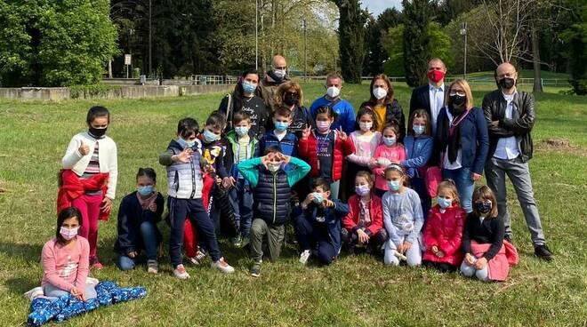 Buscate allievi scuola Mazzini giornata green Parco Pratone