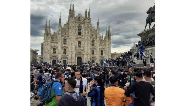 Festeggiamenti scudetto Inter Piazza Duomo Milano 2 maggio 2021