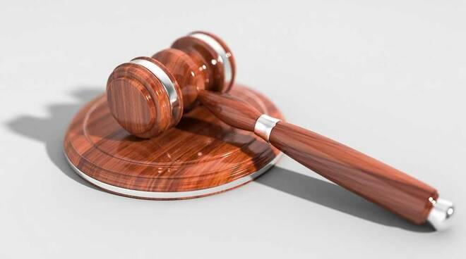 Sentenza martello giudice