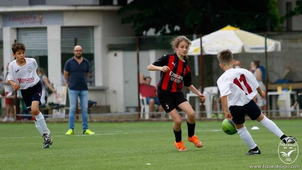 """""""Festa al campo"""" con il Parabiago F.C."""