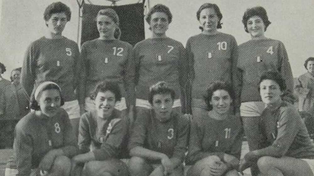 Gruppo Sportivo Bernocchi Legnano campione d'Italia basket femminile 1954-1955