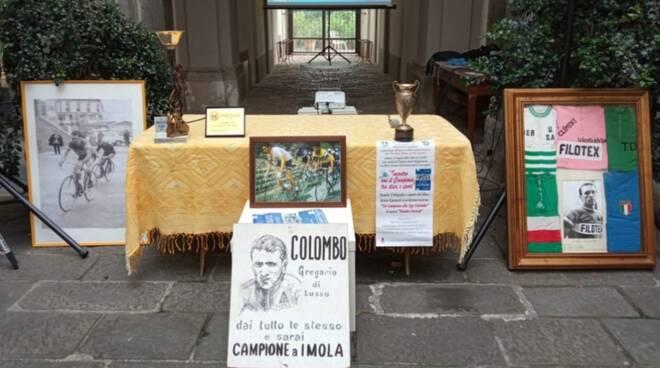 Ugo Colombo Hombre Vertical