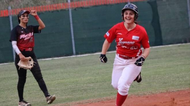 Macerata-Legnano playoff softball